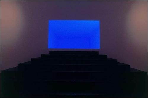 제임스 터렐의 오픈 필드. 빛 안에 공간이 있다.