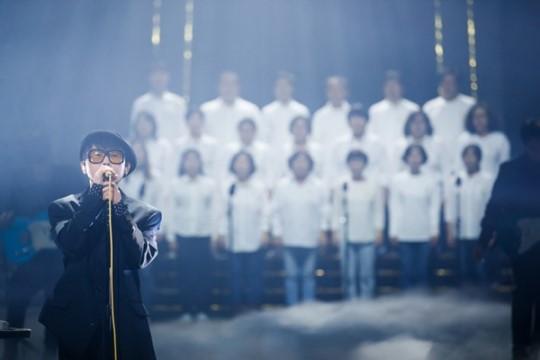 ▲ '공연 밴드 마스터' 이승환, 그리고 416 합창단(사진=Mnet '더 마스터-음악의 공존')