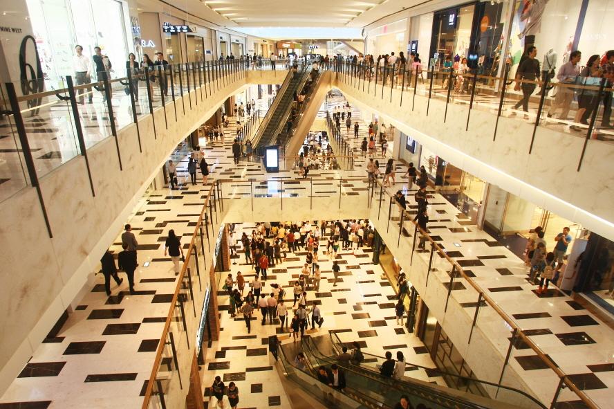 ▲ 몰캉스, 호캉스로 연휴를 즐기려는 소비자가 늘고 있다.