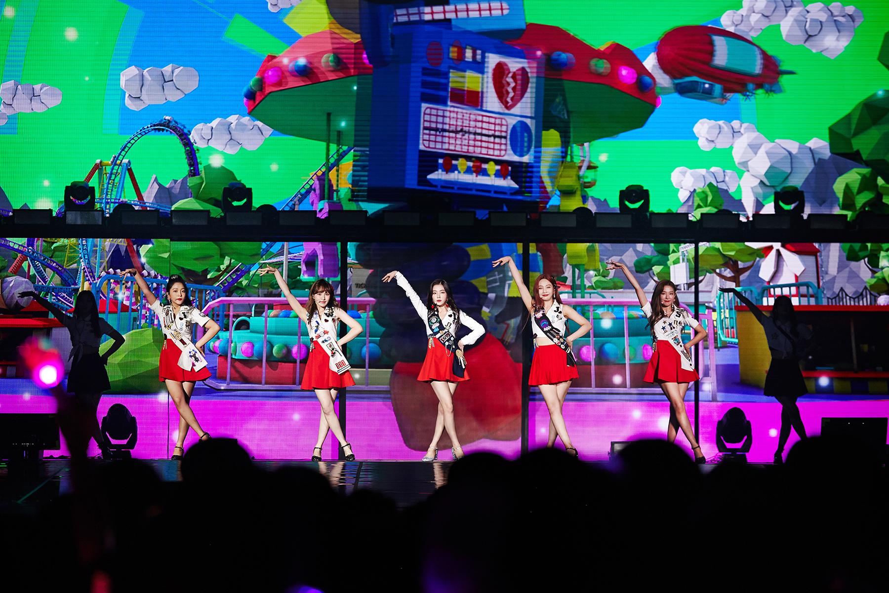 레드벨벳 두 번째 단독 콘서트 이미지 1.jpg
