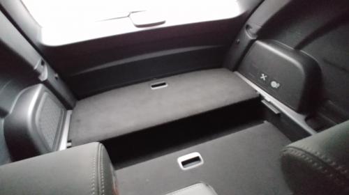 ▲ 뒷좌석에서 돌아본 트렁크 전경.