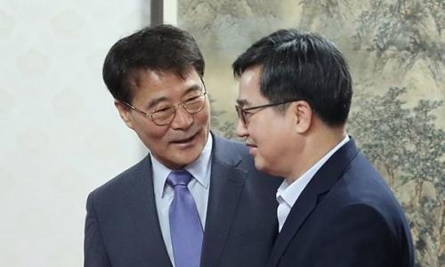 ▲ 장하성 청와대 정책실장(왼쪽)과 김동연 경제부총리
