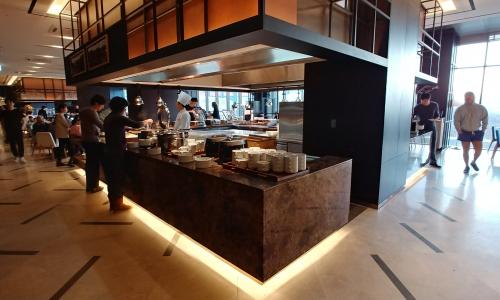 ▲ 2층에 위치한 레스토랑에서 제공되는 조식은 메뉴도 다양하고 맛도 괜찮다.
