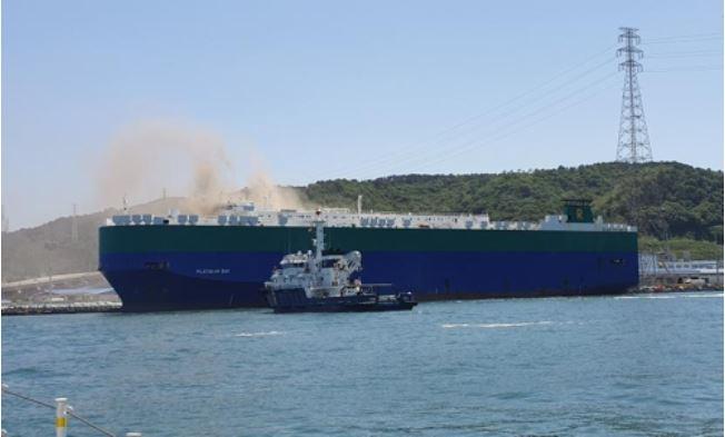 ▲ 현대차 수출차량 이송용 대형 선박