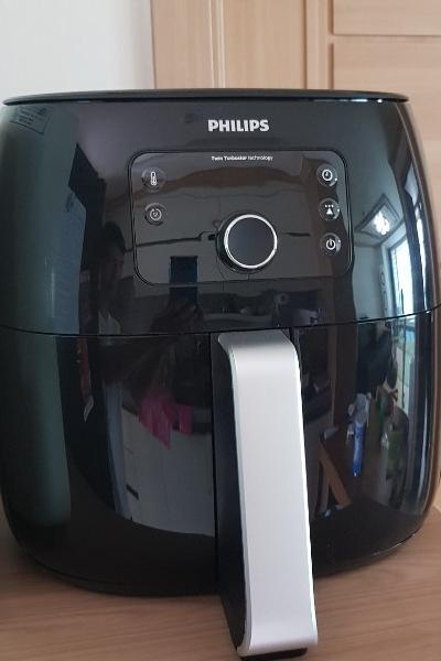 ▲ 시크한 블랙의 필립스 '트윈터보스타 특대형 에어프라이어'