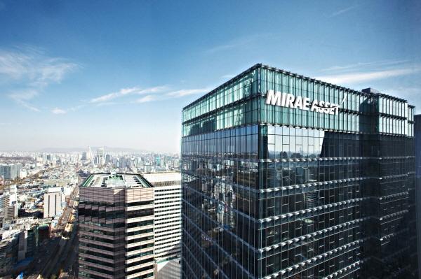 미래에셋 센터원 건물 전경사진=미래에셋자산운용은 그랑서울에 있음.jpg