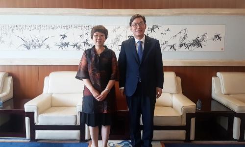 ▲ 중국을 방문한 이대훈 NH농협은행장(오른쪽).