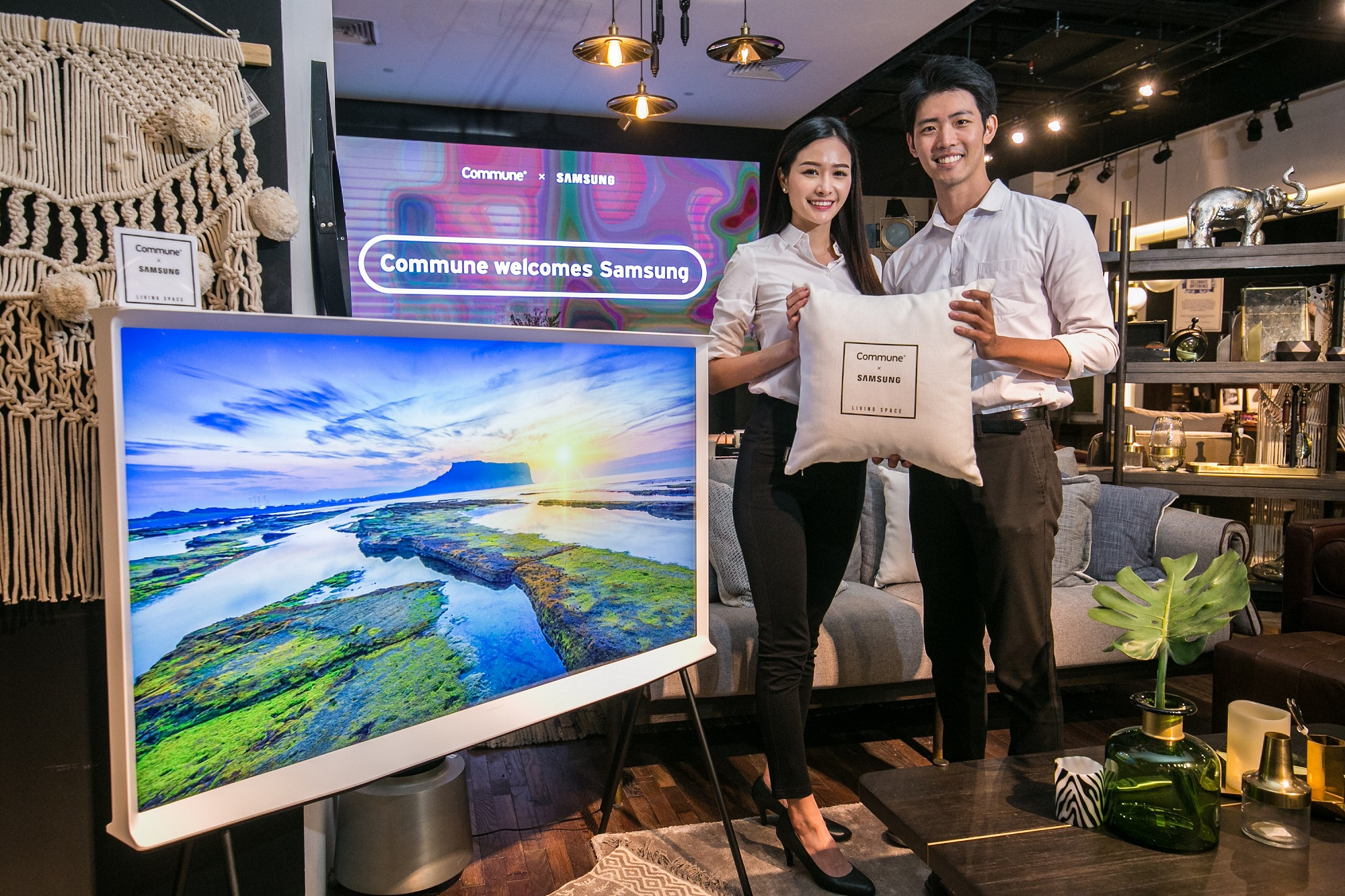 삼성전자 싱가포르에 더 세리프 출시하며 라이프스타일 TV 체험공간 오픈(1) (002).jpg