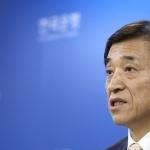 """한국은행 """"최저임금 인상돼 민간소비 늘어날 것"""""""