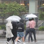 [오늘 날씨] 전국에 내리는 비…천둥‧번개 주의