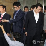 """자유한국당 친박·비박 '네 탓 공방'만…친박 """"김성태 물러나라"""""""