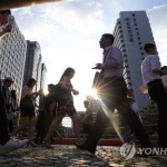"""주52시간에도 노동시간 증가…노동부 """"통계상 눈에 띄는 변화 아냐"""""""