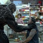 '베놈' 전세계 흥행질주, 신작 공세마저 씹어먹는 베놈 효과 '4283억원 벌었다'