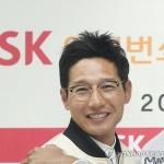 염경엽, SK 단장에서 감독으로…연봉 7억 '최고 대우'