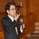 """신창재 교보생명 회장 """"FI, 투자금 회수 재고해달라"""""""