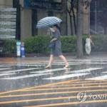 [내일날씨] 일부 지역 천둥번개 동반한 소나기…미세먼지 오전중 '나쁨'