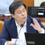 김선동 의원 '신용카드 소득공제 일몰제 논쟁' 마침표