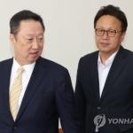 """국회 찾은 박용만...""""규제 갇힌 스타트업 엔젤 돼달라"""""""