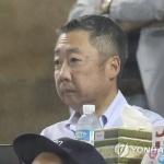 박정원 두산 회장, 잠실야구장 찾아