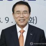 조용병 신한금융 회장, 단독 후보로 추천…'연임 성공'